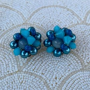 Vintage beaded blue button style clip earrings